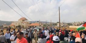 إصابات بالمطاط والاختناق خلال قمع الاحتلال مسيرة سلمية في بلدة ترمسعيا