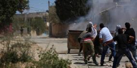 عشرات حالات الاختناق واعتقال متضامن أجنبي في مسيرة كفر قدوم الأسبوعية