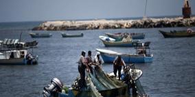 الاحتلال يستهدف الصيادين ويلاحقهم