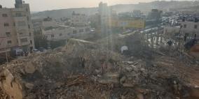 الاحتلال يهدم منزل عائلة الشهيد خليفة في مخيم قلنديا