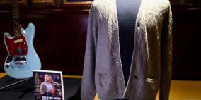 """صور.. كنزة """"كورت كوباين"""" تباع بـ334 ألف دولار"""