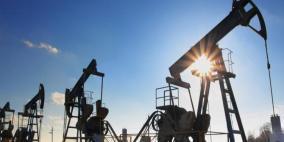 النفط ينخفض مع تبدد توقعات إبرام اتفاق تجاري