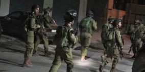 الاحتلال يعتقل شابا في بلدة الرام شمال القدس