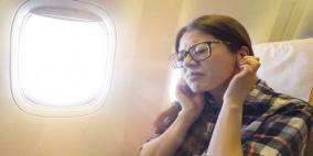 نصائح للتخلص من ألم الأذنين على متن الطائرة