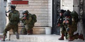 الاحتلال يداهم عدة منازل في بلدة قباطية