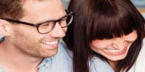 روح الدعابة تساعد على استمرارية العلاقة الزوجية
