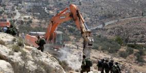 الاحتلال يجرف اراض زراعية في بيت لحم