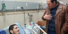 محافظ سلفيت يزور الشاب عمر ريان في المستشفى العربي التخصصي