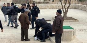 الاعتداء على المصلين في باب الرحمة واعتقال 5 مواطنين بينهم فتاة