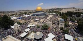 """40 ألفا يؤدون """"الجمعة"""" في المسجد الأقصى"""
