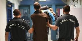 إدارة السجون تمنع دخول ممثلي الأسرى لأقسام القاصرين