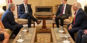 وزراء إسرائيليون سابقون يضغطون على غانتس لعدم تلبية دعوة ترامب