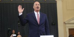 ترمب يقيل سفيرا وضابطا أدليا بشهادتيهما في إجراءات محاكمته