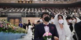 فساتين زفاف وأقنعة
