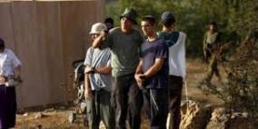 مستوطنون يحاولون اختطاف طفلين قرب ترمسعيا