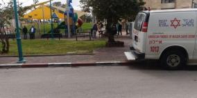 اللد: إصابة شابة بجروح خطيرة بعد تعرضها للطعن