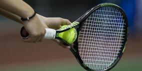 لاعبو تنس يقتربون من خط الفقر