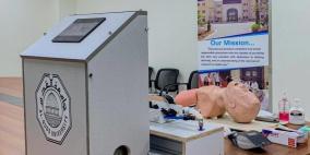 صور.. جامعة القدس تُنتج جهاز تنفس متطور للتصنيع المحلي