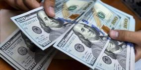 الدولار يرتفع مع تراجع الإقبال على المخاطرة