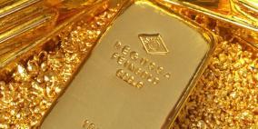 الذهب مستقر قرب ذروة قياسية مع استمرار المخاوف بشأن كورونا