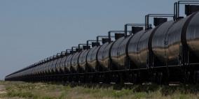 النفط يواصل ارتفاعه مع بدء رفع إجراءات العزل
