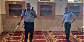 الشرطة تواصل حملة تعقيم المساجد والكنائس