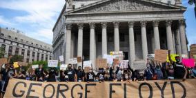 المئات يتظاهرون أمام البيت الأبيض