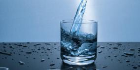 يحارب الإنفلونزا.. فوائد الماء الدافئ في الصيف