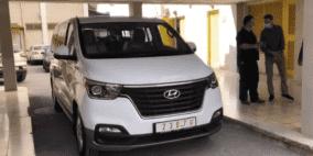 """الشركة الفلسطينية للسيارات تتبرع بسيارة """"هونداي"""" لوزارة الصحة"""