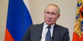 بوابات تعقيم لحماية بوتين من فيروس كورونا