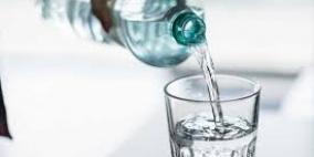 ماذا يحدث للجسم عند شرب كوب من الماء على معدة فارغة يوميا