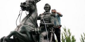 محتجون يفشلون في إسقاط تمثال آندرو جاكسون قرب البيت الأبيض