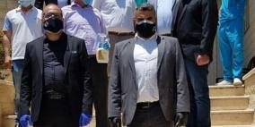 القدس للمستحضرات الطبية تقدم الدعم لبلدية تفوح والعائلات المصابة فيها