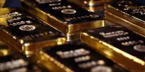 الذهب ينزل من ذروة 8 أعوام بعد بيانات أمريكية إيجابية