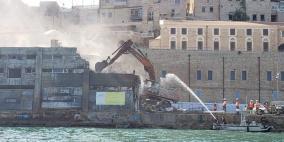 """بلدية """"تل أبيب"""" تباشر بهدم مبنى الجمارك التاريخي في ميناء يافا"""