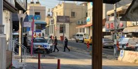 الشرطة تطرد العمال الفلسطينيين والزبائن من المقاهي في باقة الغربية