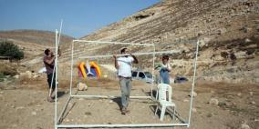 مستوطنون ينصبون خيمة ويسيجون أراض في الأغوار