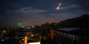 توتر مع لبنان.. الاحتلال يقصف مواقع عسكرية سورية