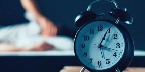 ما العلاقة بين ساعات النوم والمال وجائحة كورونا؟