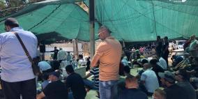 مقدسيون يؤدون صلاة الجمعة في خيمة الاعتصام بسلوان