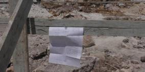 الاحتلال يخطر بوقف بناء عدد من المنازل غرب سلفيت