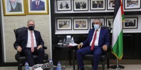 الشيخ يبحث مع وزير  خارجية ألمانيا آخر المستجدات