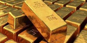 الذهب يربح مع تراجع الدولار
