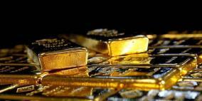 الذهب يسجل ذروة 8 أسابيع في بداية تداولات 2021