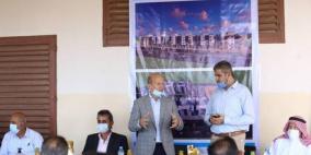 غزة: الأونروا توقع عقدًا لبناء 121 شقة سكنية لصالح لاجئين من دير البلح