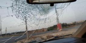 اصابة طفل نتيجة رشق مستوطنين سيارات بالحجارة