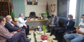وزير الحكم المحلي يزور بيت الاجداد ويطلع على الخدمات المقدمة للمسنين