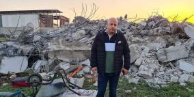 بالصور.. الاحتلال يهدم منزلا في مدينة الطيرة