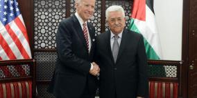 الرئيس عباس يتسلم رسالة خطية من نظيره الأميركي