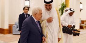 الرئيس عباس يجتمع بأمير قطر في الدوحة